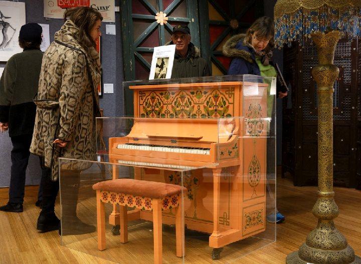 casablanca piano-wealthyvoice
